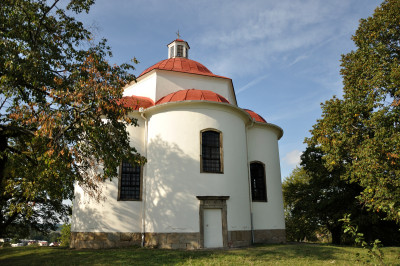 VÝSADBA TŘEŠNÍ A VIŠNÍ NA TROJICI @ kaple Nejsvětější Trojice Rosice